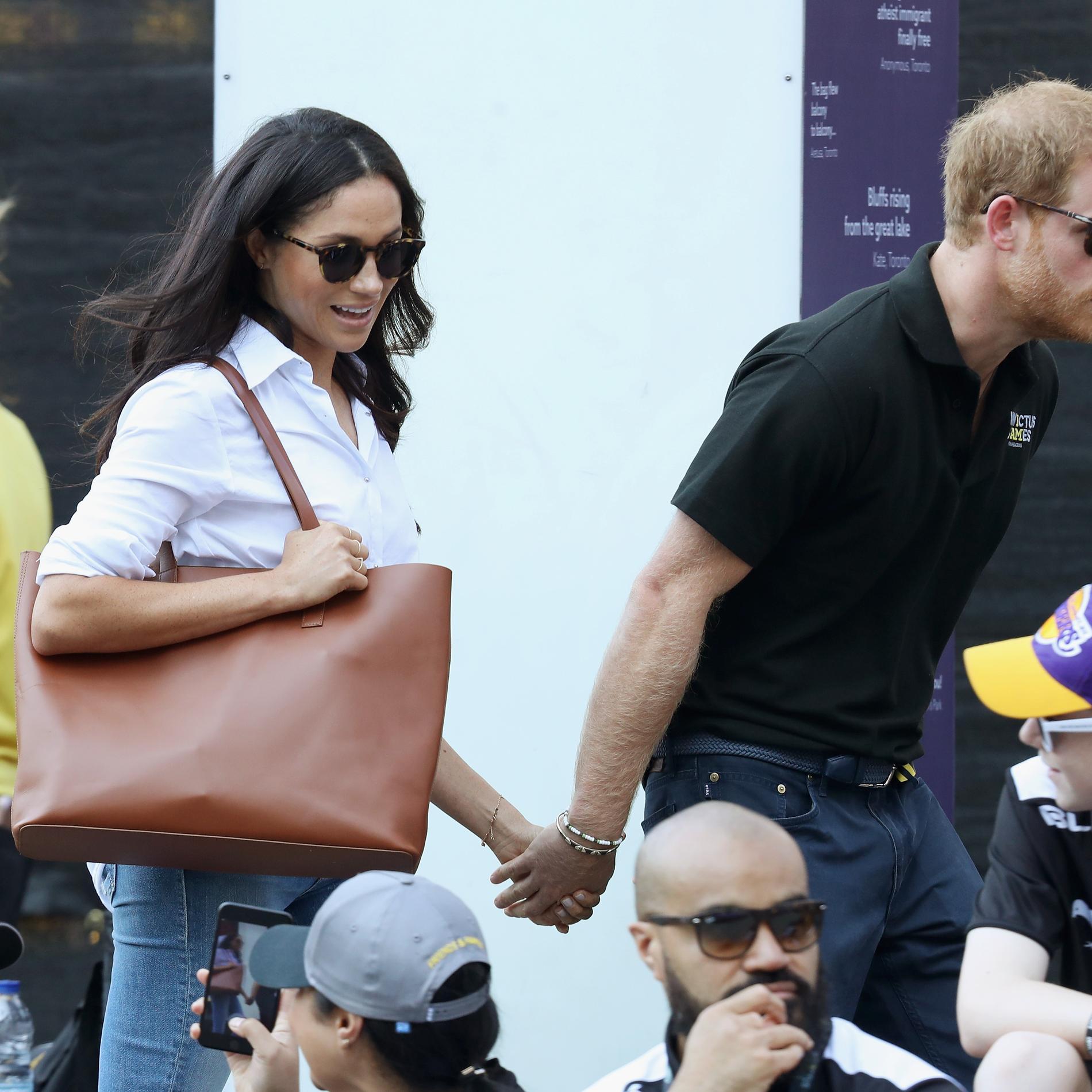 Les premières photos officielles du prince Harry et Meghan Markle