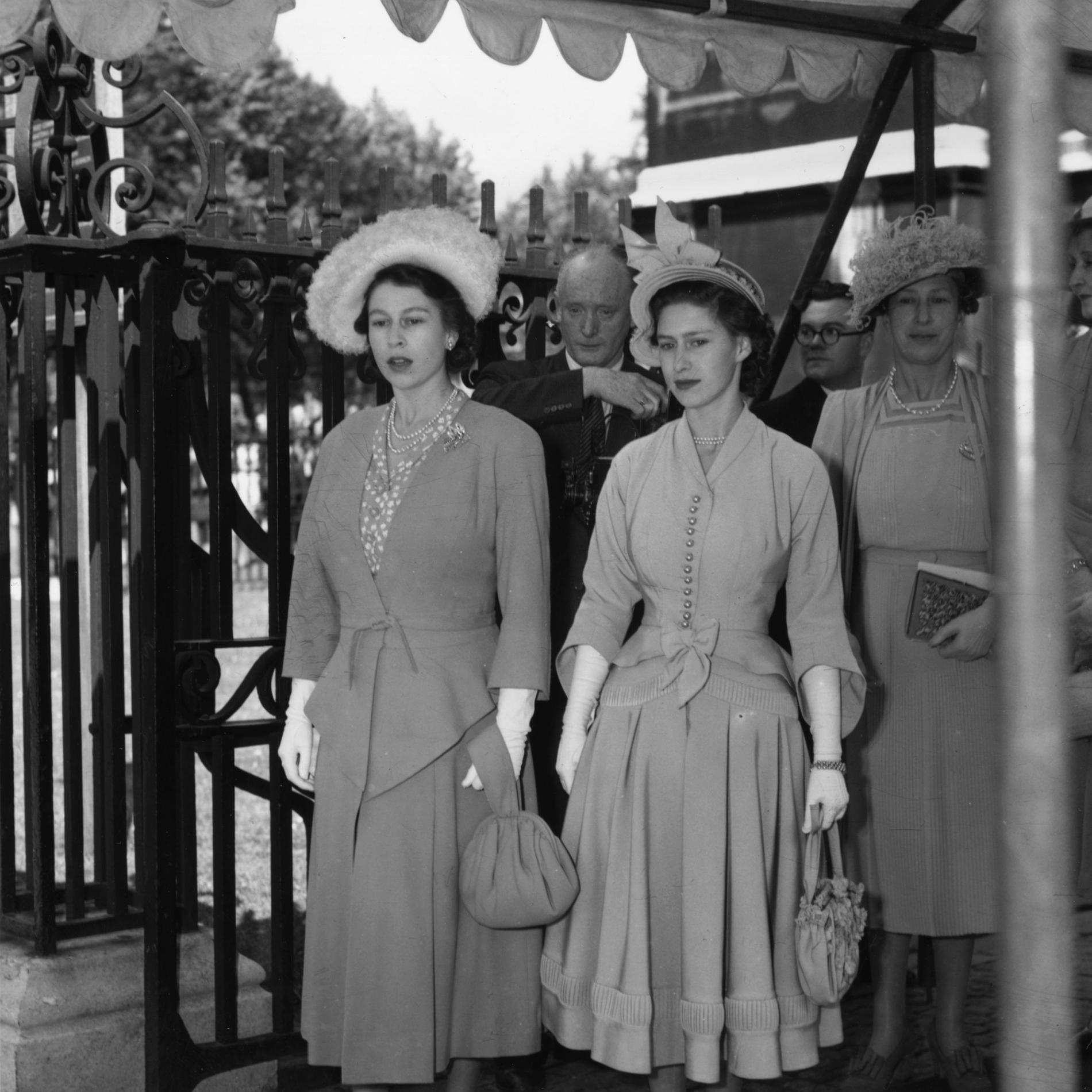 Les tenues de mariage de la reine d'Angleterre Elizabeth II - 1948