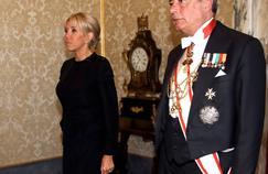 Pourquoi Brigitte Macron portait-elle du noir pour rencontrer le Pape ?
