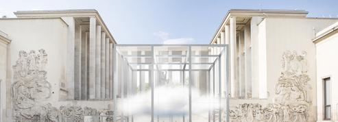 Cartier sur son petit nuage devant le Palais de Tokyo