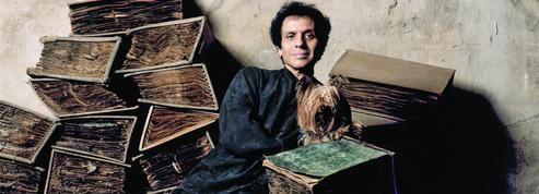 La maison Alaïa rend hommage à son fondateur