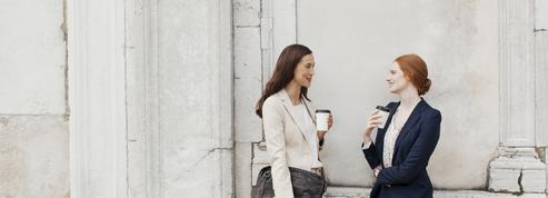 Peut-on vraiment être amie avec son boss ?