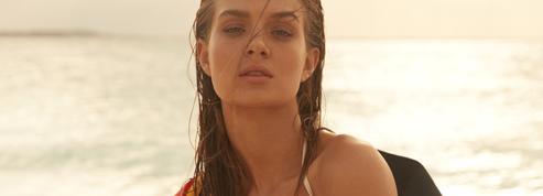 Vestiaire plein soleil avec l'Ange de Victoria's Secret, Josephine Skriver