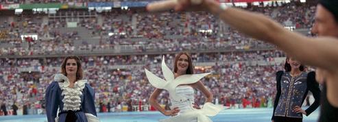 Le jour où le défilé Yves Saint Laurent a ouvert la finale de la Coupe du monde 1998