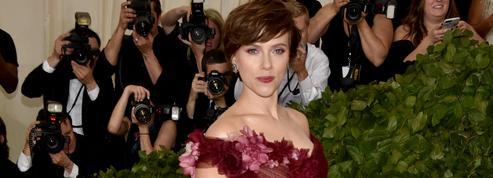 Scarlett Johansson dément avoir postulé pour être la femme de Tom Cruise