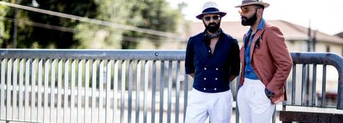 Le pantalon blanc se fait le mâle