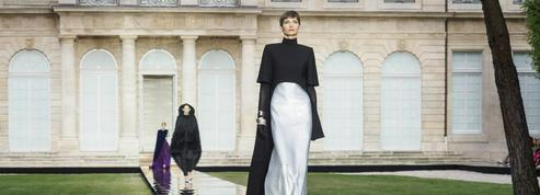 Givenchy, l'émotion couture selon Clare Waight Keller