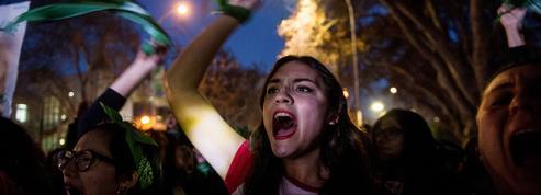 Après le rejet du libre accès à l'avortement, quel espoir pour la jeunesse argentine ?