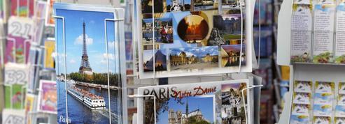 Une association féministe part en croisade contre les cartes postales sexistes