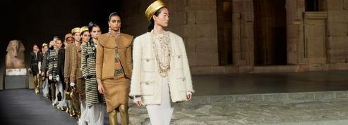 Le défilé de la collection Chanel Métiers d'Art 2019 de Karl Lagerfeld invite l'Égypte à New York