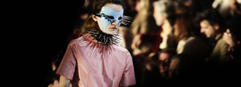 Gucci donne le coup d'envoi tonitruant des défilés milanais