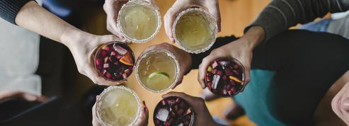 Faut-il rester fidèle au même alcool en soirée pour éviter les dégâts le lendemain ?