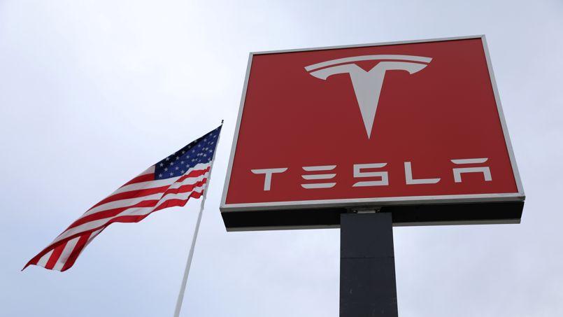 Tesla peine à tenir ses engagements de production, le titre chute à Wall Street