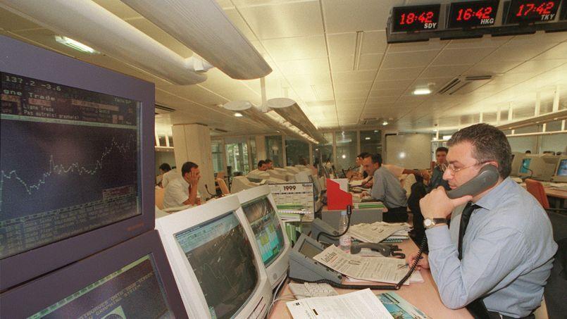 La Bourse de Paris limite ses pertes lors d'une séance prudente