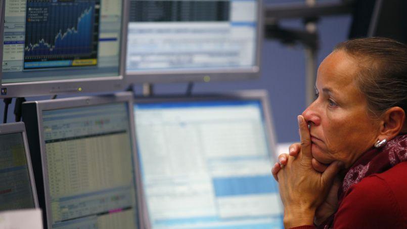 La Bourse de Paris regagne du terrain, mais n'oublie pas la guerre commerciale