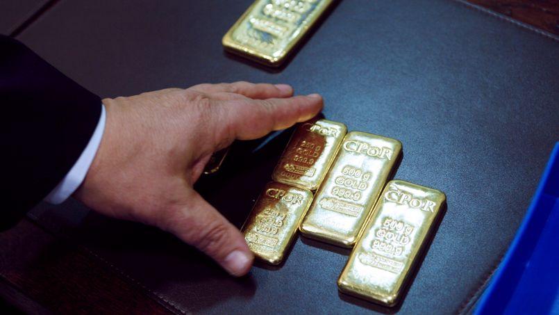 L'or porté par la baisse des taux d'intérêt et la faiblesse du dollar