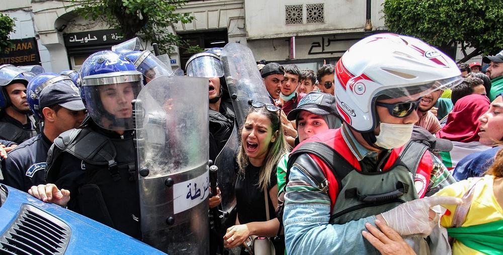 Les manifestations continuent à Alger