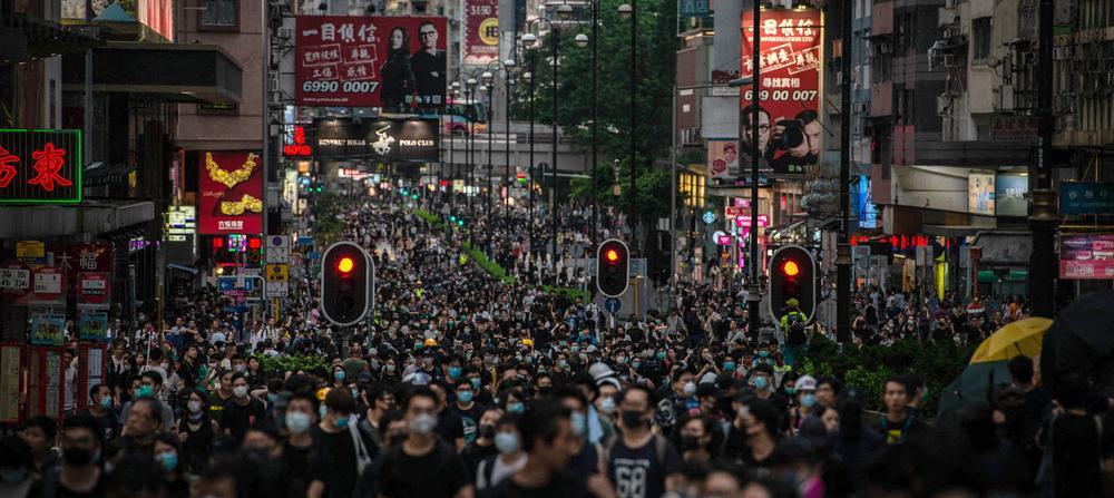Hongkong : les manifestants défient Pékin