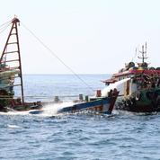 Pêche illégale: l'Indonésie coule des dizaines de bateaux