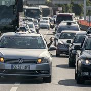 Paris : manifestations de taxis, auto-écoles et ambulanciers lundi, des bouchons à prévoir