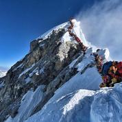 EN IMAGES - Everest : 10 alpinistes sont morts en une semaine