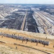 EN IMAGES - Une mine de charbon allemande occupée par des militants écologistes