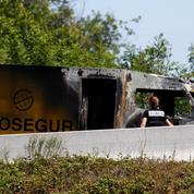 Un fourgon de transport de fonds braqué sur l'autoroute près de Lyon, des blessés