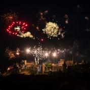 Carcassonne: la charpente d'une tour médiévale endommagée par le feu d'artifice