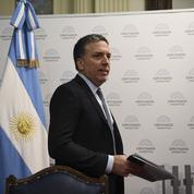 En pleine crise, le ministre des Finances argentin démissionne