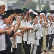 Incendies : des Indonésiens prient pour faire venir la pluie