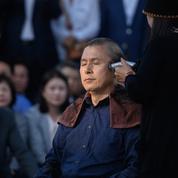 Corée du Sud: le leader de l'opposition se rase la tête en signe de protestation