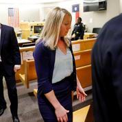 États-Unis : dix ans de prison pour la policière qui avait tué son voisin chez lui