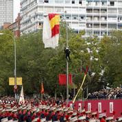 Espagne : un parachutiste heurte un lampadaire en plein défilé militaire