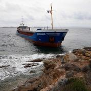 Bonifacio : le cargo échoué doit être «allégé» pour être dégagé