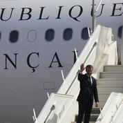 Mayotte: des pompiers refusent d'assurer la sécurité incendie de l'avion de Macron