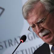 Destitution de Trump : Bolton invité à témoigner devant le Congrès