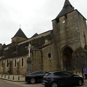 La cathédrale d'Oloron-Sainte-Marie attaquée à la voiture-bélier