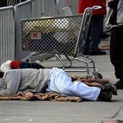 À Las Vegas, dormir sur la voie publique devient un délit passible de prison