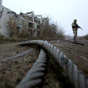 Début d'un retrait de troupes sur la ligne de front en Ukraine