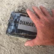De mystérieuses briques de cocaïne s'échouent sur le littoral Atlantique