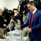Espagne: les socialistes en tête des législatives, bond de l'extrême droite