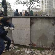 «Gilets jaunes» : indignation après la dégradation de la stèle du maréchal Juin à Paris