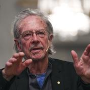 Peter Handke rattrapé par la polémique avant de recevoir son Nobel