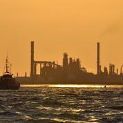 Grève : 7 des 8 raffineries françaises sont bloquées, selon la CGT