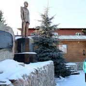 Une statue dorée de Vladimir Poutine de 2,5 mètres érigée au Kirghizistan