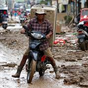 Le bilan des inondations à Djakarta s'alourdit à 60 morts