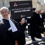 Retraites : face au «silence» du gouvernement, les avocats durcissent leur grève