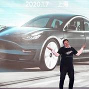 Tesla pèse 100 milliards et offre à Musk un super bonus