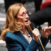 Retraites: Nicole Belloubet demande aux avocats de suspendre leur grève