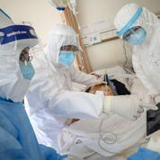 Coronavirus: la Chine tente de traiter les malades avec le sang des patients guéris